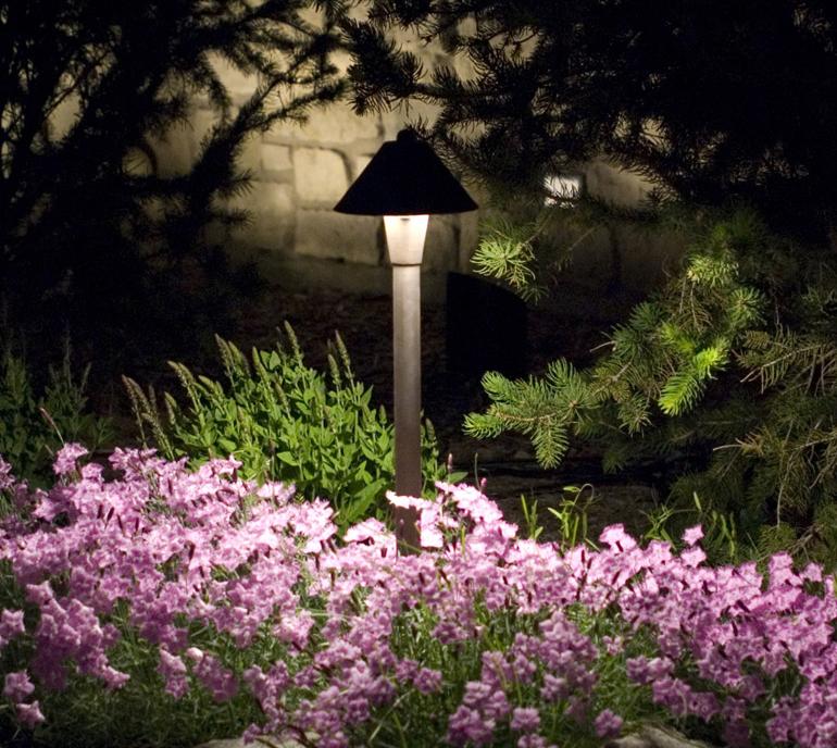 Landscape Lighting Mississauga: Landscape Lighting Design & Installation