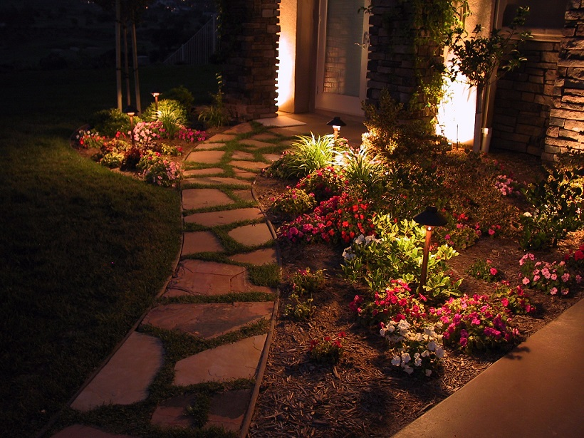 Creating Natural Outdoor Lighting Effects For Your Gardens